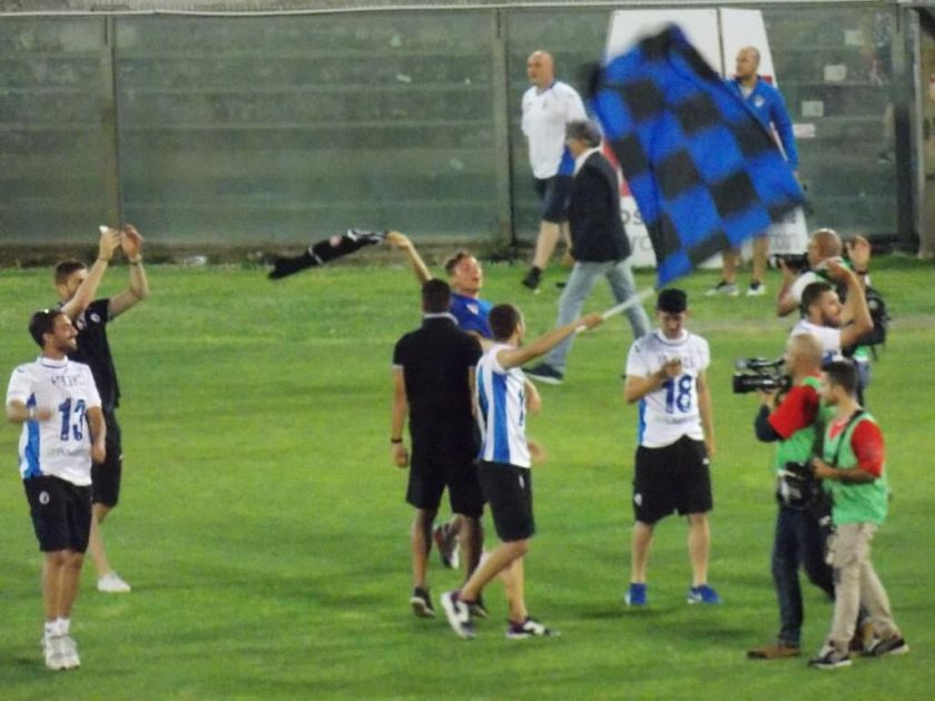 w le donne pisa soccer - photo#7