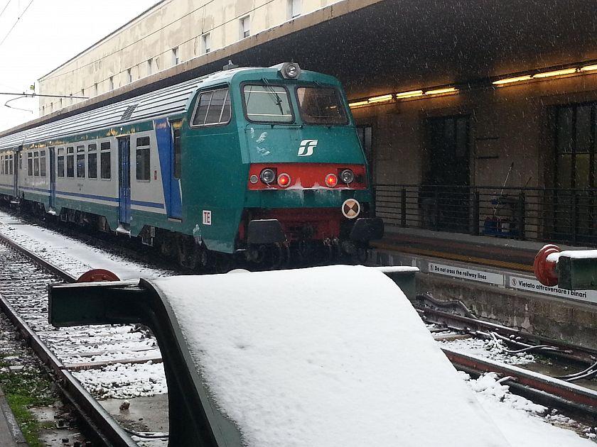 Il Gelo Blocca I Treni Cancellazioni E Ritardi