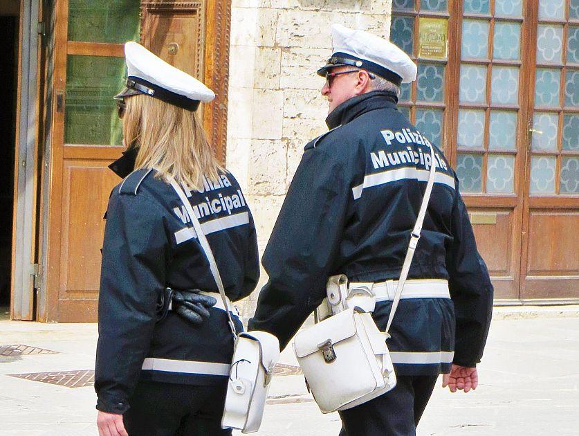 Polizia municipale due giorni di sciopero attualit firenze for Bagno a ripoli polizia municipale