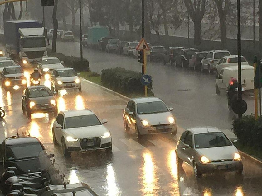 Pioggia e grandine temporale lampo su firenze attualit for Bagno a ripoli firenze bus