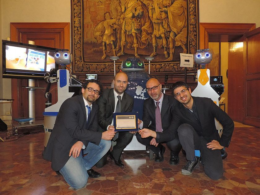 I robot di peccioli premiati al salone del mobile a milano for Salone mobile firenze