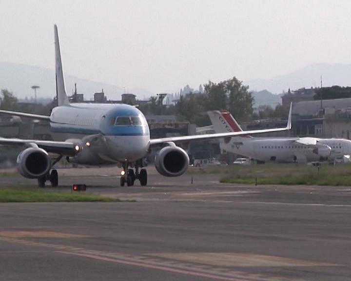 Aeroporto Elba Allungamento Pista : L aeroporto verso allungamento della pista cronaca
