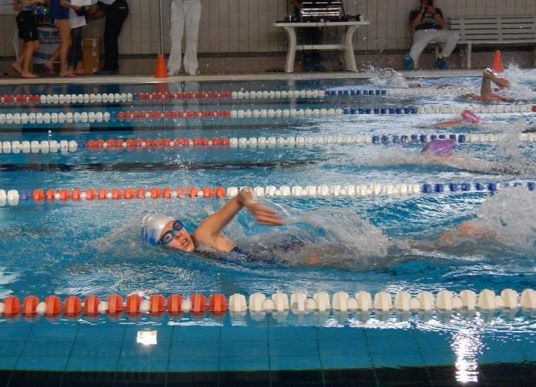 Al via i corsi nella piscina comunale attualit portoferraio - Piscina comunale livorno corsi acquagym ...