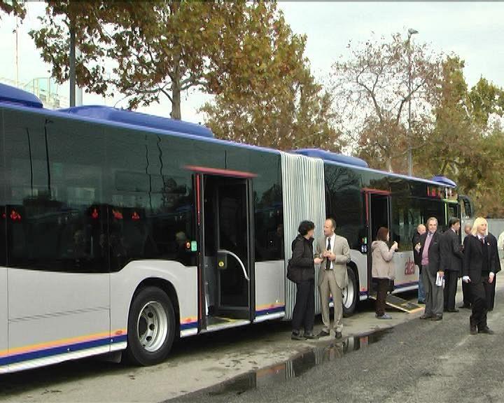 Automobilista prende a pugni l 39 autista del bus cronaca for Bagno a ripoli firenze bus
