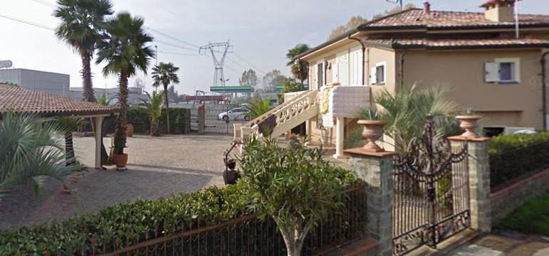 La famiglia rom a reddito zero con ville e cavalli for Soggiorno carabinieri merano