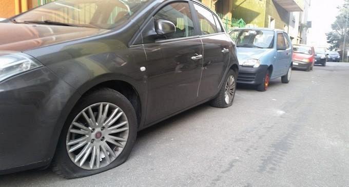 Gomme Squarciate Alle Auto Senza Permesso Cronaca Firenze