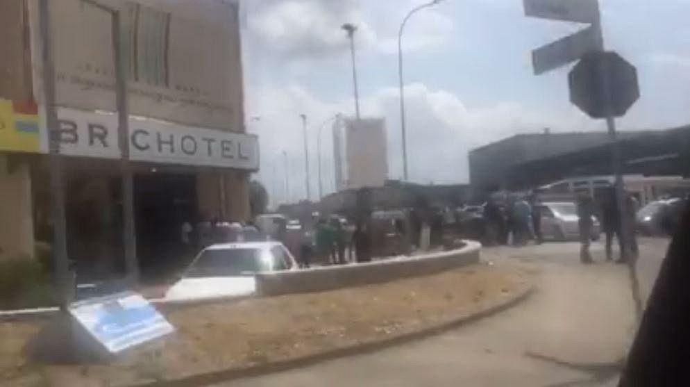 Migranti in protesta occupano la cucina dell 39 hotel cronaca ponsacco - La cucina abusiva pontedera ...