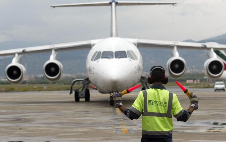 Aeroporto Elba Allungamento Pista : Aeroporto fuori uso cronaca pisa