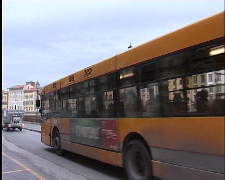 Bus contro un 39 auto anziani e bambini feriti cronaca firenze for Bagno a ripoli firenze bus