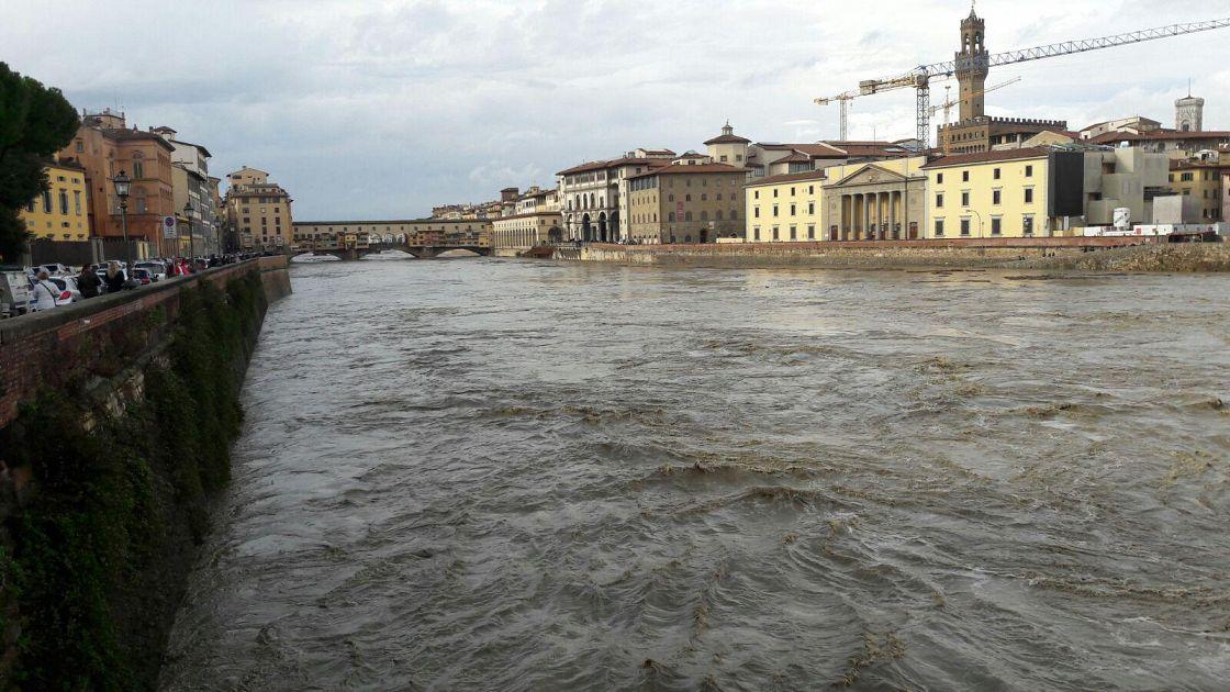 Il Livello Dell 39 Arno Cala Dopo La Piena Attualit Firenze