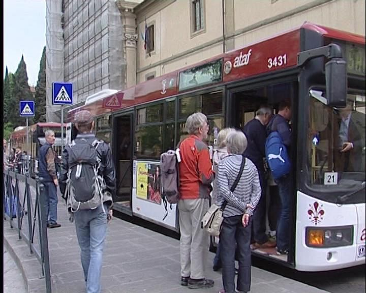 Ruba sul bus scende e ricompare alla fermata dopo for Bagno a ripoli firenze bus
