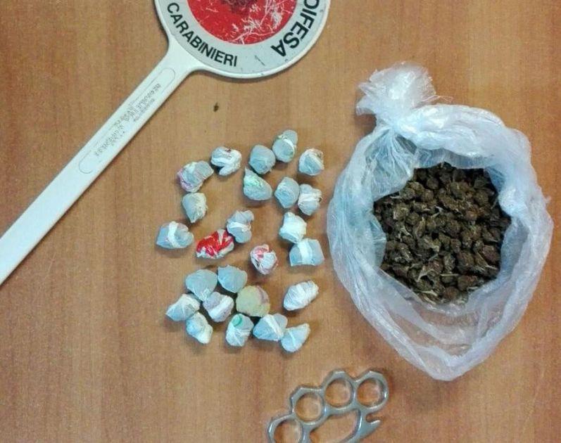 Due arresti per droga cronaca pontedera for Arresti a poggiomarino per droga