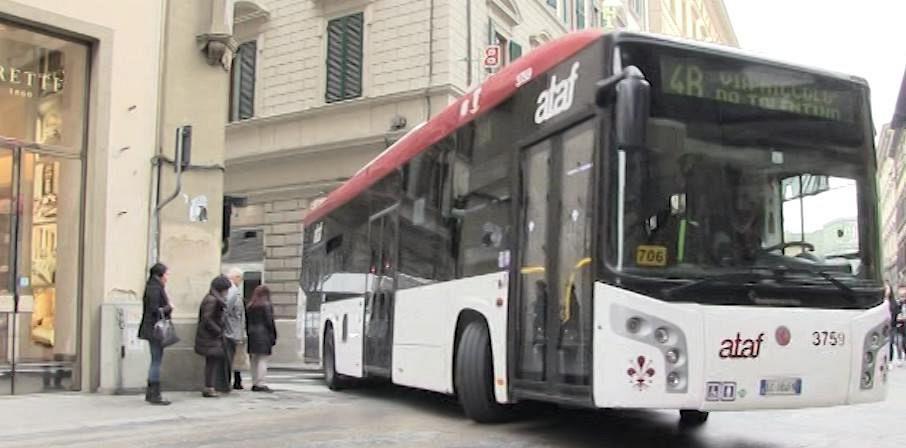 Accerchiata e molestata da tre uomini sul bus cronaca for Bagno a ripoli firenze bus