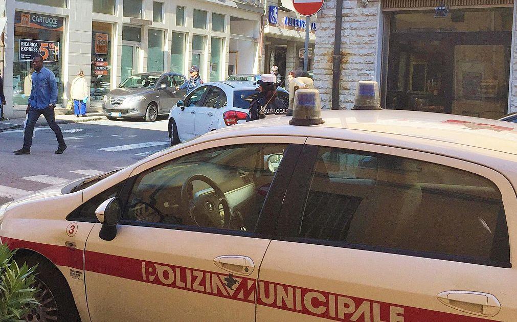 E 39 irregolare ma noleggia mezzi elettrici cronaca firenze for Bagno a ripoli polizia municipale