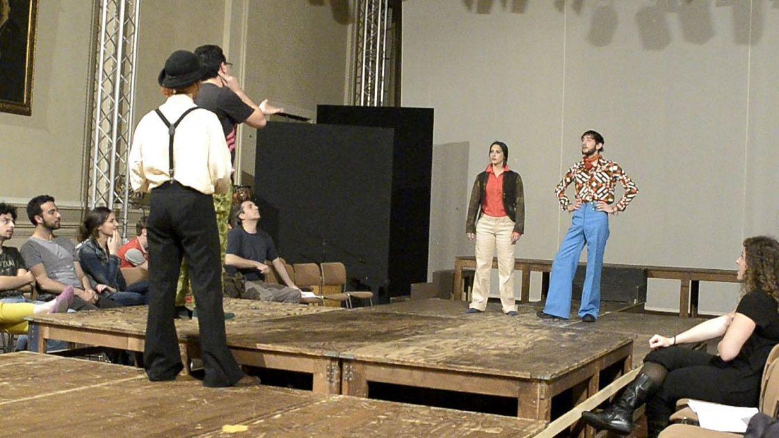 Il mercante di venezia shakespeare in scena a teatro verdi for Il mercante arredamenti