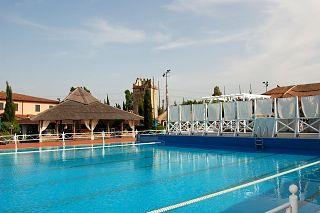 Riapre la piscina del boccaccio club attualit bientina for Disposizione del piano piscina