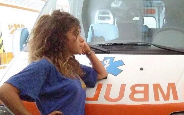 Taranto, si ribalta auto nella notte: muore 24enne