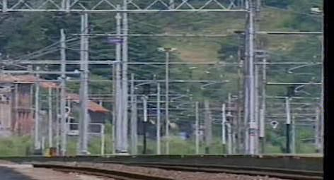 Livorno choc, 18enne sale sul tetto di un treno e muore folgorato