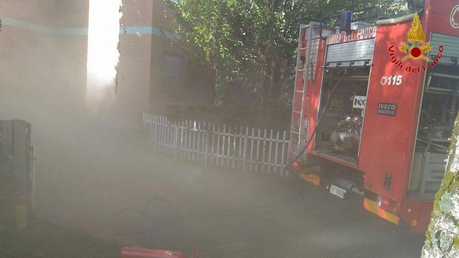 Due intossicati nel garage in fiamme cronaca fucecchio for 2 1 2 metratura del garage