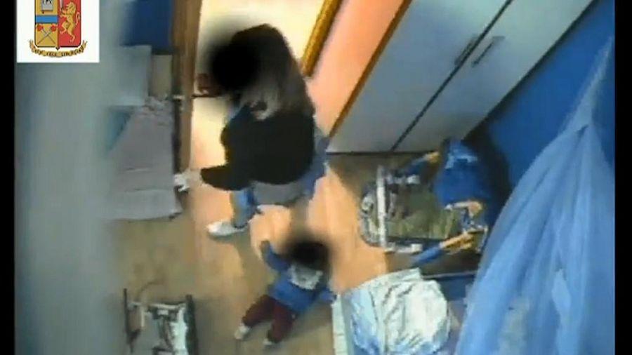 Maestre asilo maltrattano bambini — YouTube Grosseto