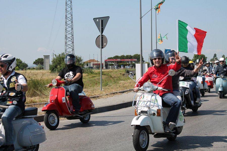 Ponte a cappiano capitale dei vespa club attualit for Vespa club volta mantovana