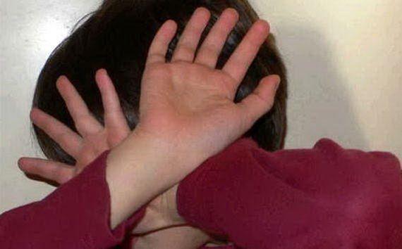 Arrestata maestra a Pistoia: insulti e percosse ai bimbi in scuola materna