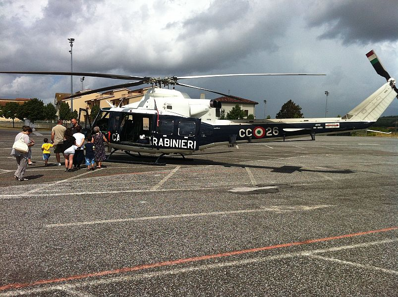 Elicottero 8 Posti : Elicottero e posti di blocco per cercare i ladri cronaca