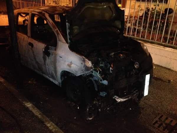 Pisa, incendiate auto della Polizia Penitenziaria: sarebbero state utilizzate delle molotov
