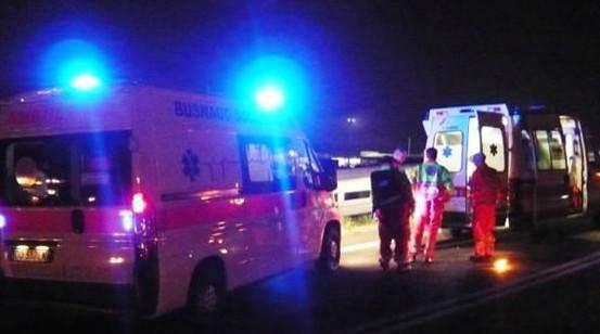 Morto carbonizzato in A1: auto tampona Tir, poi l'incendio