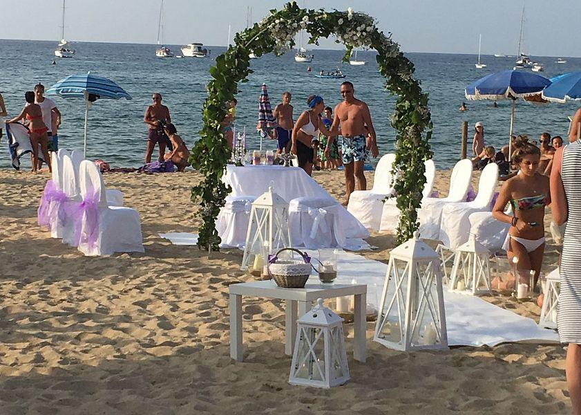 Matrimonio Spiaggia Elba : Matrimonio in spiaggia fra i turisti attualità marciana