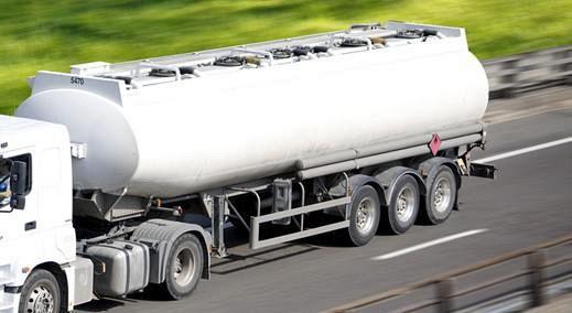 In giro nel Casertano a distribuire gasolio a domicilio, fermato benzinaio