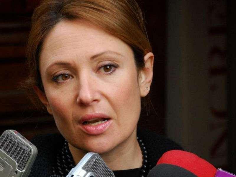 Anche la cugina abbandona Renzi, Elisa Simoni lascia il Pd