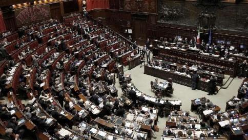 Mattarella: La nostra democrazia è solida, necessaria serenità