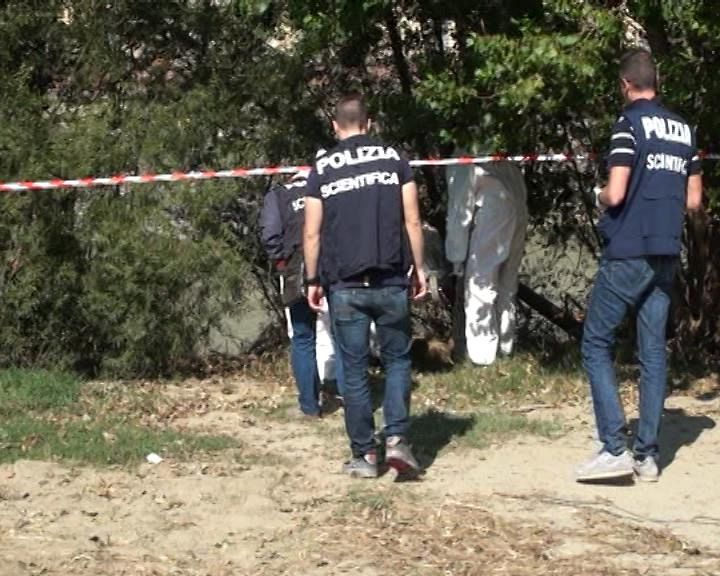 Grassina, ritrovato cadavere in un terreno: probabile suicidio