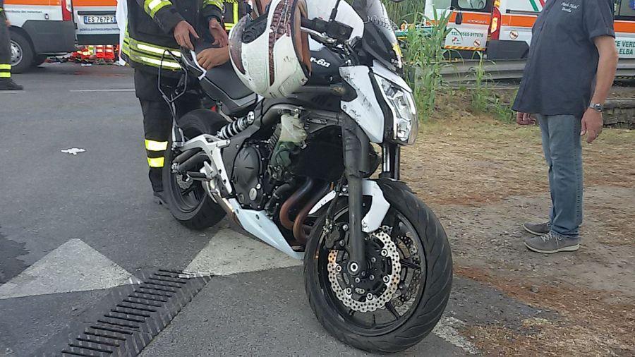 Forte dei Marmi (Lucca): incidente in moto, muore 22 enne di Brescia