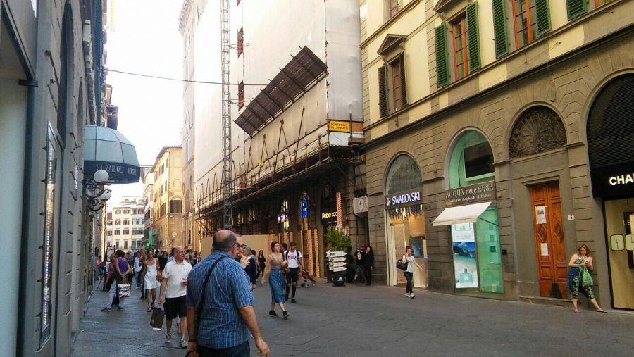 Appartamenti di lusso in via calzaioli indagini cronaca for Appartamenti firenze