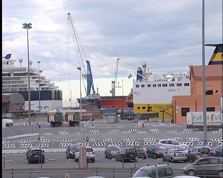 cagliari capitaneria di porto livorno - photo#5