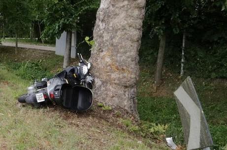 Castagneto Carducci (Livorno): drammatico scontro con auto, muore un centuaro