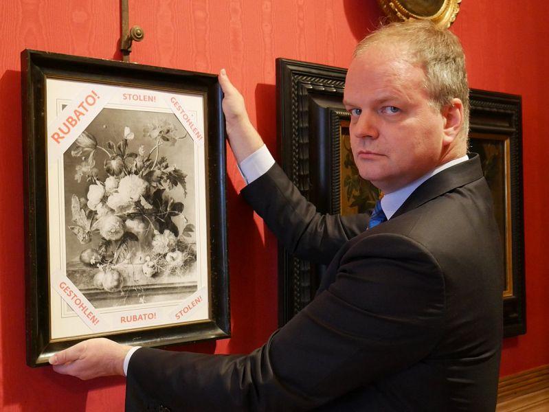 Che il 'Vaso di Fiori' rubato dai nazisti torni agli Uffizi