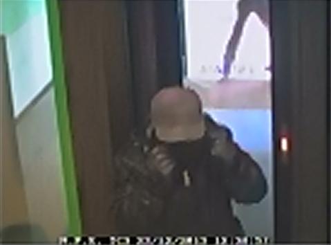 Pisa, bandito muore per malore durante la rapina in banca