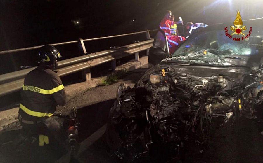 Tamponamento tra vetture sulla bretella tra Lucca e Viareggio, una vittima
