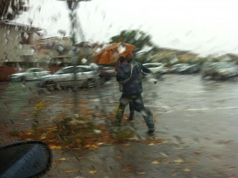 Temporali e raffiche di vento: nuova allerta meteo in Campania
