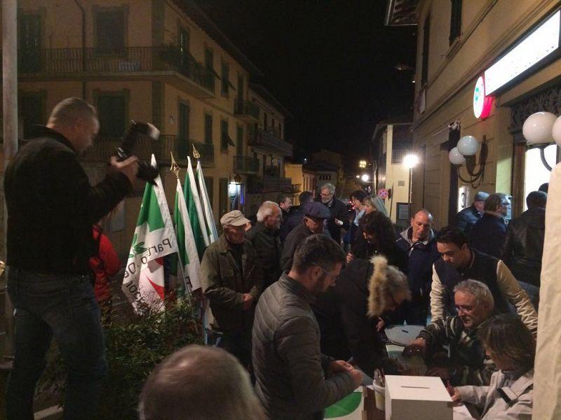 Congresso Pd, convenzione Circolo Mater Domini: Renzi al 70%