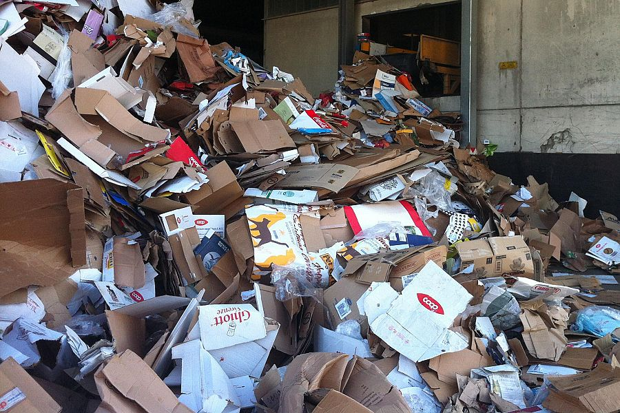 Traffico di rifiuti, sei arresti e sequestri per 7 milioni di euro