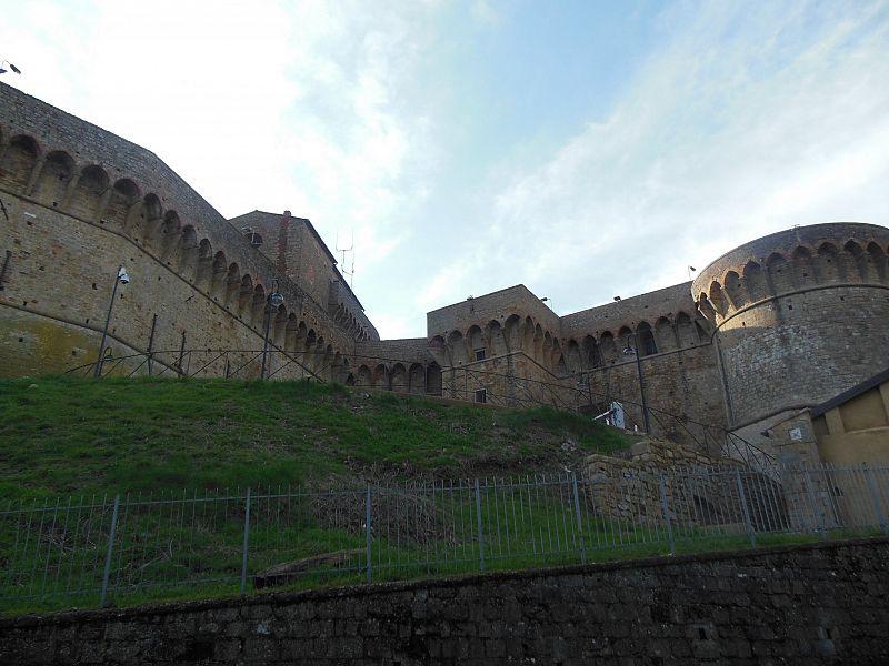 Volterra, detenuto in permesso premio scompare