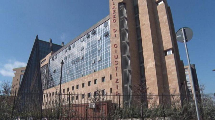 Novoli, allarme bomba al tribunale: evacuato il Palazzo di Giustizia
