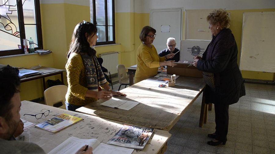 Referendum: in provincia di Ferrara l'affluenza alle 12 00 supera il 27%