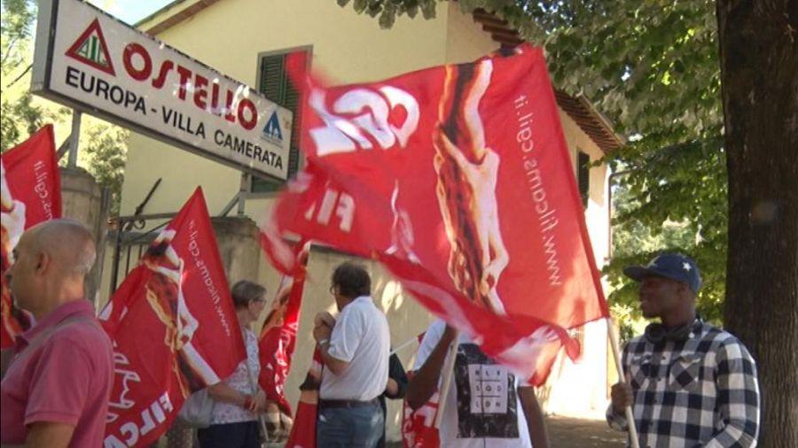 Niente stipendi, scioperano i dipendenti dell'ostello