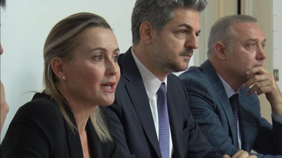 L 39 appello di forza italia per il no al referendum for Deputati di forza italia