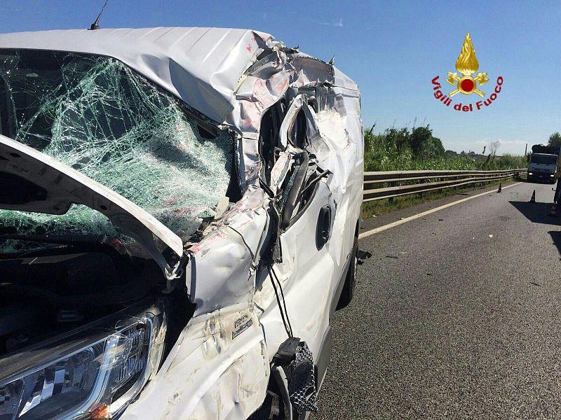 Incidenti stradali: 30 ragazzi in ospedale, 5 i feriti